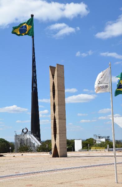 Brasilia_Praça dos Três Poderes_Taubenturm