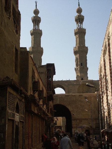 Kairo_Bab Zuweila und die Minarette der Muayyad-Moschee