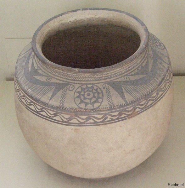 Teheran - Nationalmuseum -  Vorratsgefäss (Tepe Giyan)