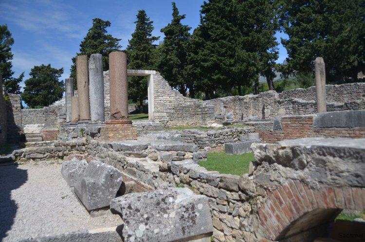 Salona - Manastirine
