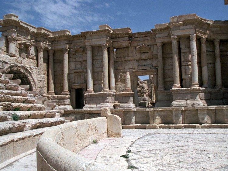 Palmya - Theater
